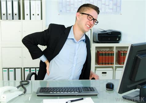 back pain from sitting at desk what are common causes of upper right back pain