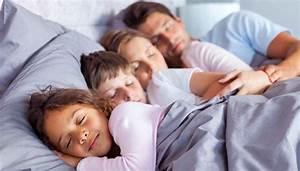 Die Richtige Matratze Finden Test : gesund schlafen so finden sie die richtige matratze ~ Michelbontemps.com Haus und Dekorationen