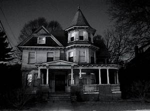 Houses that are creepy in the dark, 2