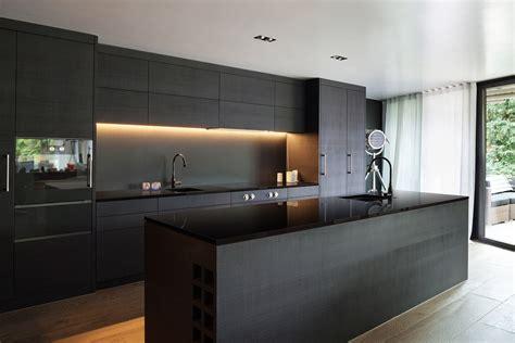 Tiles In Kitchen Ideas - midnight black gt quantum quartz gt quantum quartz australia kitchen benchtops