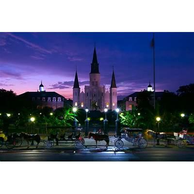 Night-falls-on-Jackson-Square - The Golden Scope