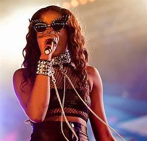 Tatty Devine Eyelash Sunglasses - Azealia Banks   Världens ...