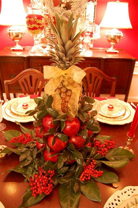 colonial williamsburg christmas table