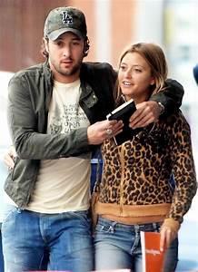 Alex O'Loughlin and Holly Valance | Alex O & girlfriends ...