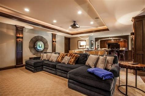 colts owner jim irsay puts zionsville mansion  property