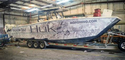Huk Boat by 37ft Freeman F V Freak Show Makes Debut At Mgfc