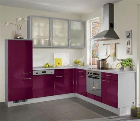 cuisine blanche mur aubergine davaus cuisine blanche grise et aubergine avec des