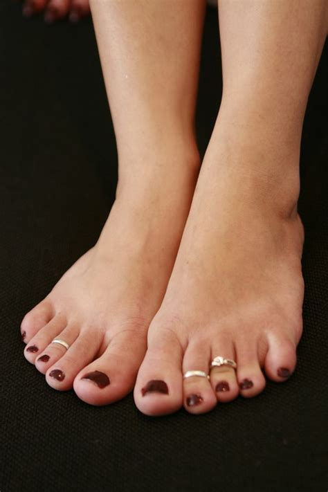 White Toes Foot Worship