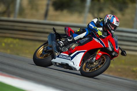 2017 Honda Cbr1000rr First Ride Test  15 Fast Facts