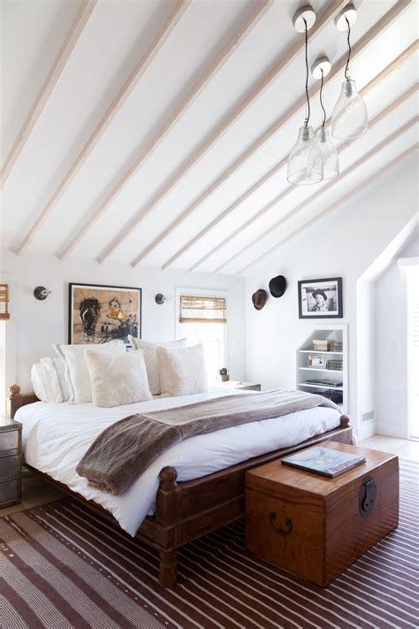 vaulted ceiling  design ideas remodel  decor