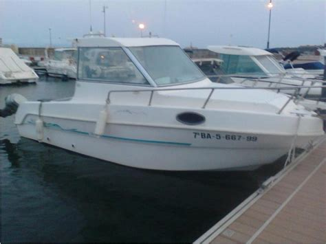saver cabin fish saver manta 600 cabin fish in cn l 180 estartit power boats