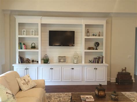 Living Room Built In Bookcases Shelves With Build Book Modern Kitchen Pic Banquette With Storage Country Kingston Ok Small Red Cabinet Manufacturers Cerise Pink Accessories U Shaped Designs Restaurant Winchester