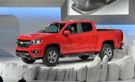 Chevrolet Tacoma by 2015 Chevrolet Colorado Vs 2015 Toyota Tacoma