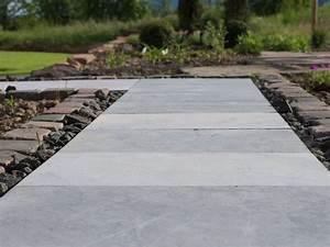 Gartenweg Anlegen Günstig : kalksteinplatten blaustein azur stonewashed getrommelt terrassen pinterest gartenweg ~ Markanthonyermac.com Haus und Dekorationen