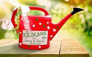 Rote Haselnuss Kaufen : rot wie die farbe der liebe ist diese sch ne kieskanne denn es passt nicht nur viel kies ~ Michelbontemps.com Haus und Dekorationen