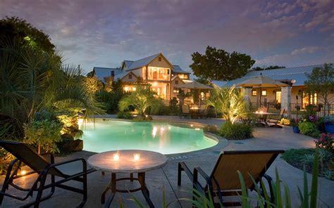 Texas Romantic Getaways *** Granbury, Texas Bed And Breakfast