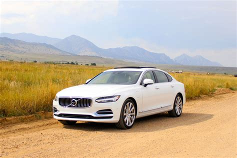 The 2018 Volvo S90 T8 Is 400 Horsepower Of Hybrid Opulence