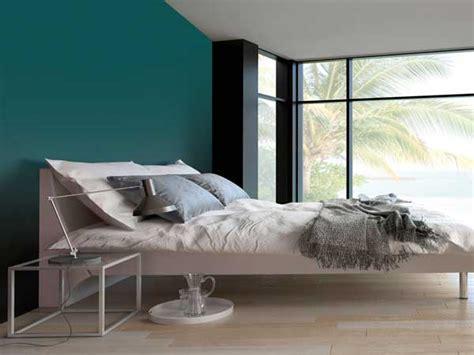 couleur chambre parental couleur gris urbain sur un mur de chambre parentale