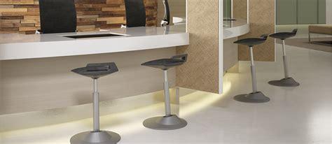 si鑒e assis debout ergonomique tabouret de travail ergonomique 28 images tabouret de travail ergonomique semi sitting si 232 ge assis debout ergonomique fauteuil chaise