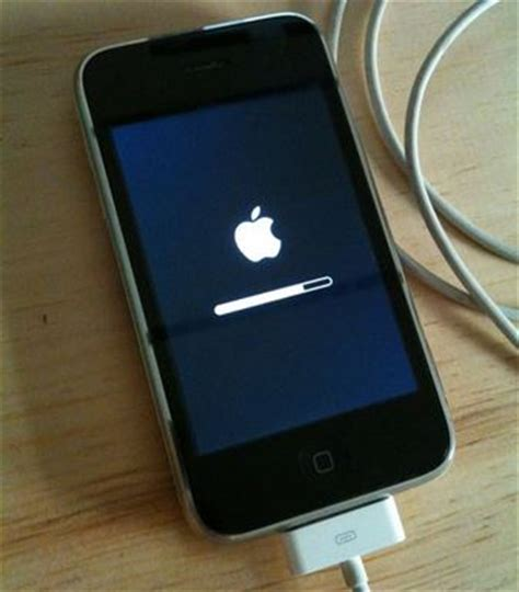 apple iphone restore restore jailbroken iphone and ipod touch to factory