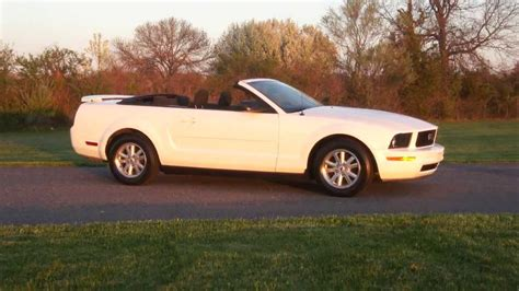 2006 Ford Mustang Convertible For Sale~white~low Miles