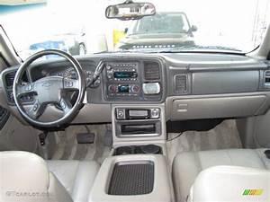 2003 Chevrolet Suburban 1500 Lt Tan  Neutral Dashboard