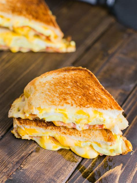 breakfast grilled cheese sandwich dad   pan