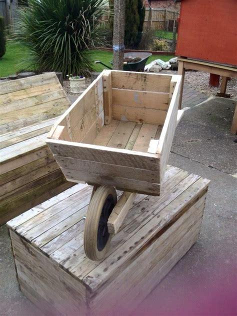 ideas  wooden pallet crafts  pinterest