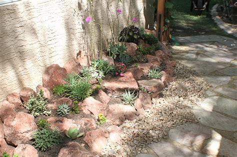 diy succulent rock garden succulent garden ideas