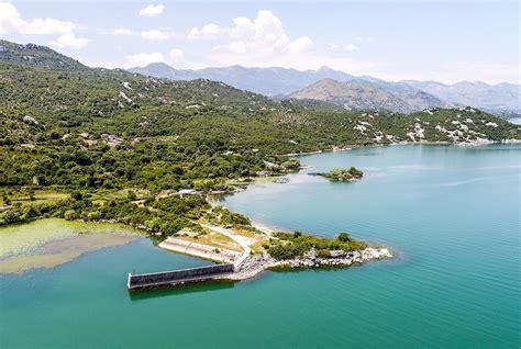 FOTO / Si duket liqeni i Shkodrës, NASA publikon pamjet ...