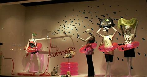 ideas  summer window displays boutique window