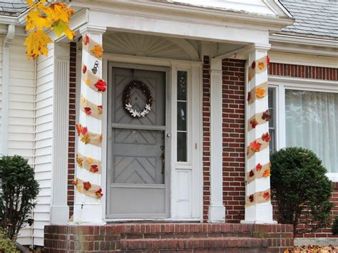 how to decorate indoor column for xmas diy decorations diy