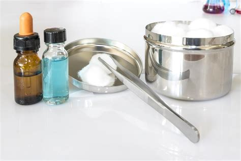 cleaning grout  hydrogen peroxide  baking soda