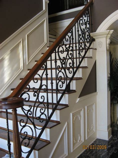 Metal Banisters And Railings by Best 25 Wrought Iron Railings Ideas On