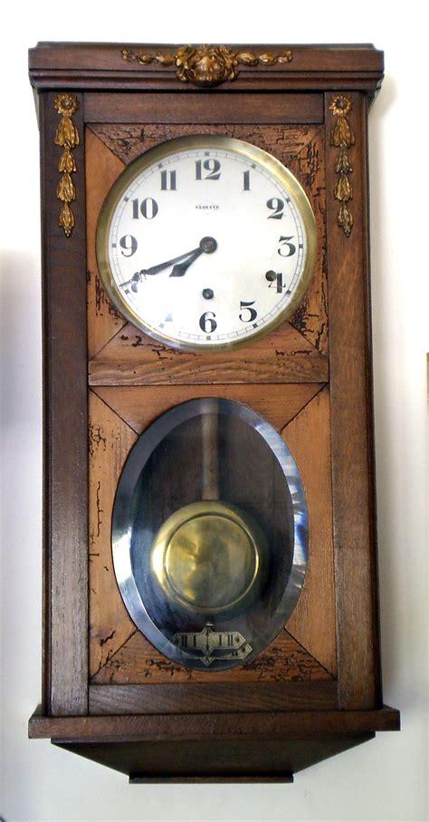 bureau virtuek horloges mécaniques anciennes avec carillon vedette