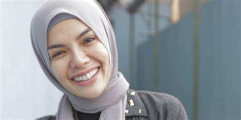Video Nikita Mirzani Tanpa Hijab Bikin Heboh Dream