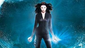 Continuum turns its time-traveling cop into... a superhero?
