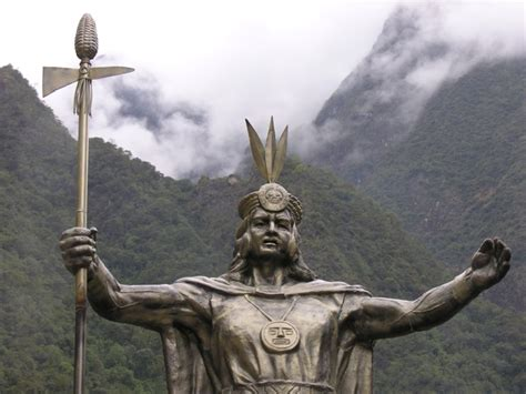 Statue of Huayna Capac, Aguas Calientes from South America ...