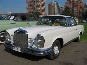 Mercedes 220 Coupe : file mercedes benz 220 se coupe 1965 14355288315 jpg wikimedia commons ~ Gottalentnigeria.com Avis de Voitures
