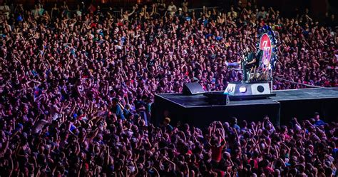 throne chair for the throne dave grohl on how the foos saved their