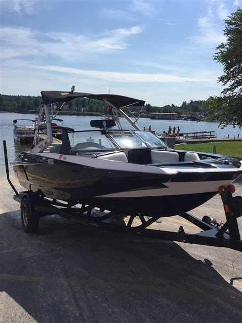 Axis Boats Facebook by 2013 Used Axis A20 Ski And Wakeboard Boat For Sale