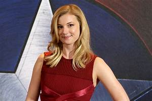 Emily VanCamp - 'Captain America: Civil War' Photocall in ...