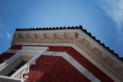 Cornice Definition Architecture by Cornice Designing Buildings Wiki