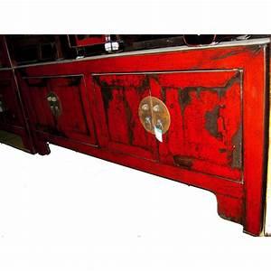Meuble Chinois Rouge : buffet bas 4 portes rouge laqu style chine chn246 dans ~ Teatrodelosmanantiales.com Idées de Décoration