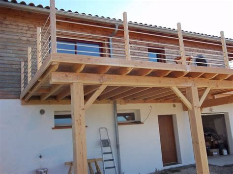 Terrasse Bauen Ein Deck Auf Stelzen by Terrace In Kit Ein Bezauberndes Deck Auf Stelzen Haus
