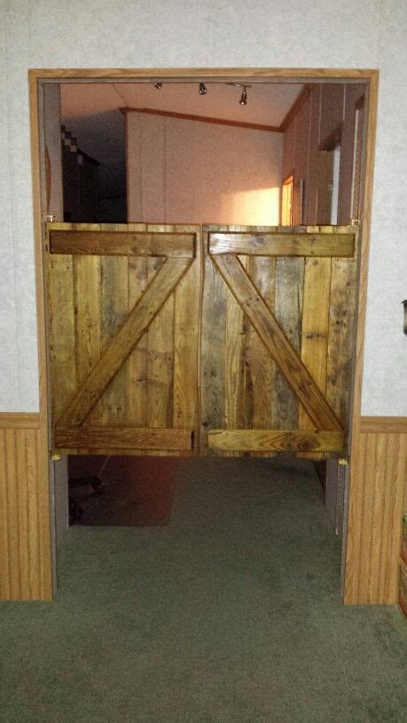 saloon doors   wood pallets pallet projects