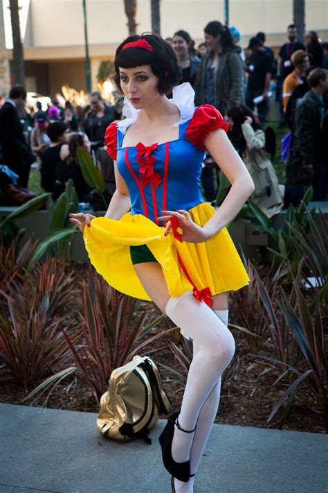 Sexy Snow White Yes You Can Be A Disney Princess Here S How POPSUGAR Love Sex