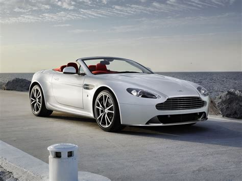 Aston Martin V8 Vantage Roadster Wallpapers