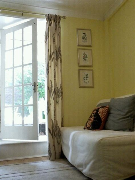 Dulux paint in pale citrus yellow