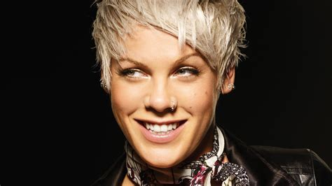 PINK Alecia Beth Moore pop rock punk r b k wallpaper